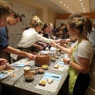 SCofc Students making chocolat