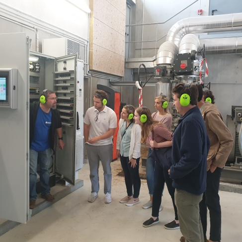Cofc Stude,ts in Geothermal power plant